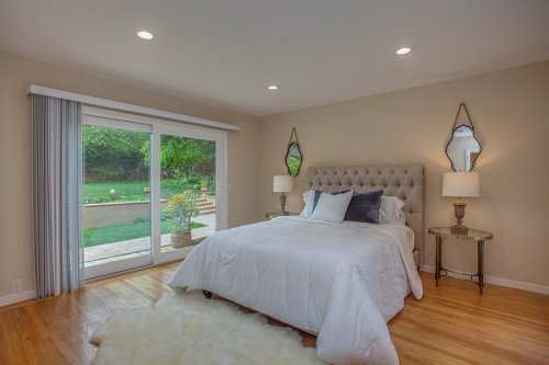 Master Bedroom - 1450 Highland View Court