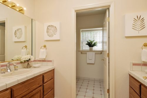 Hall Bath With 2 Sinks For Bedrooms 3