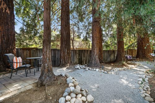 405 Hedgerow Ct Mountain View