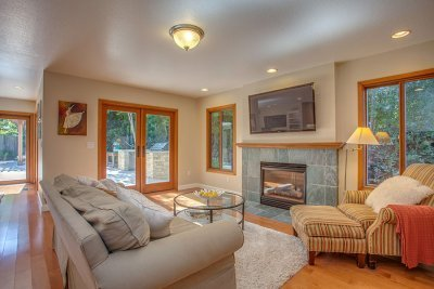 Family Room -1939 Newcastle Dr