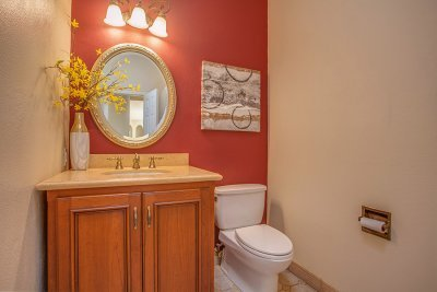 Powder Room - 672 Rosita Ave